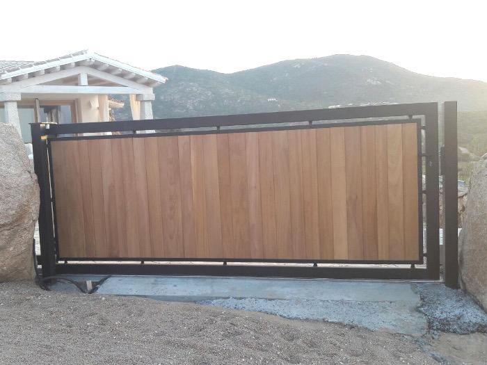 anterprima-cancello-ferro-legno