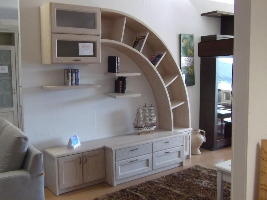 parete soggiorno libreria artigianale in legno olbia