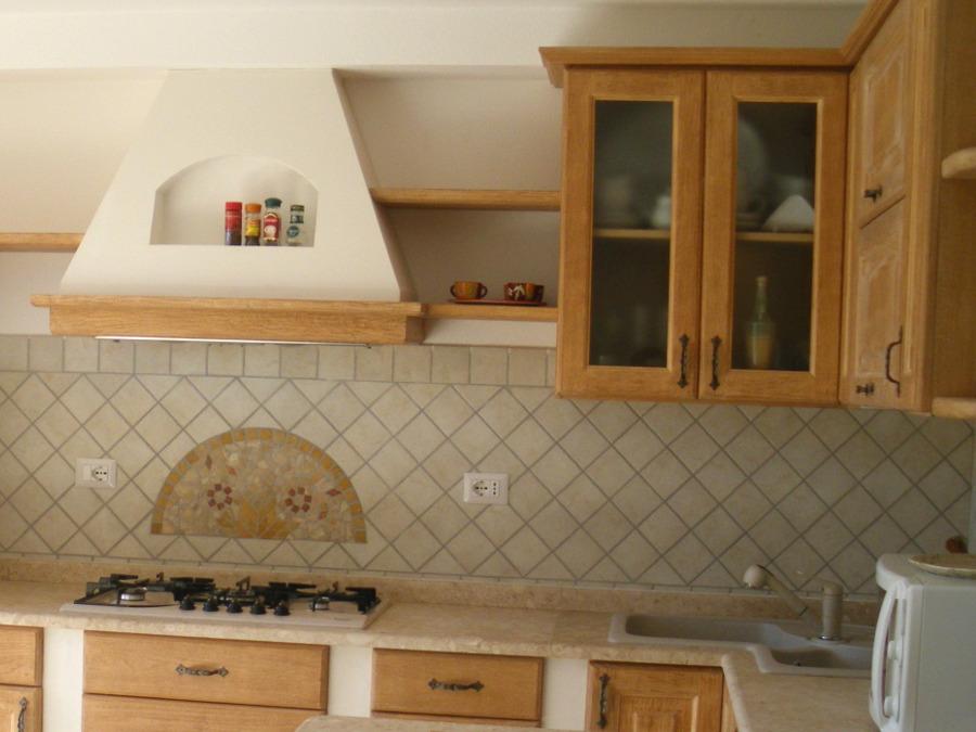 cucina muratura ad angolo con penisola