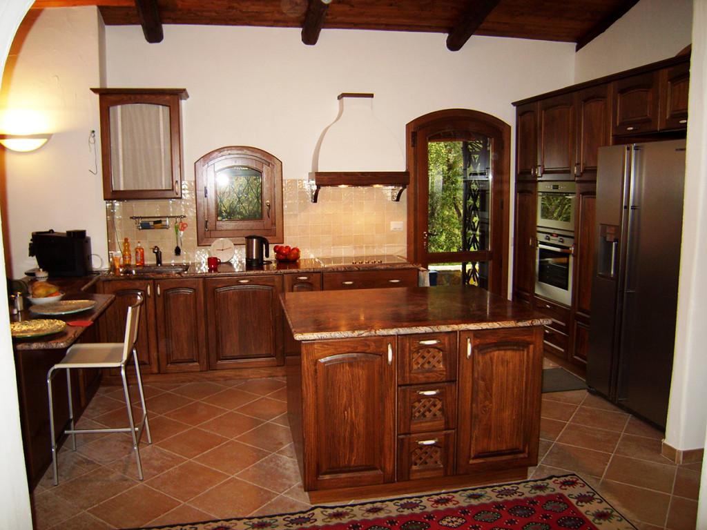 cucina classica con isola