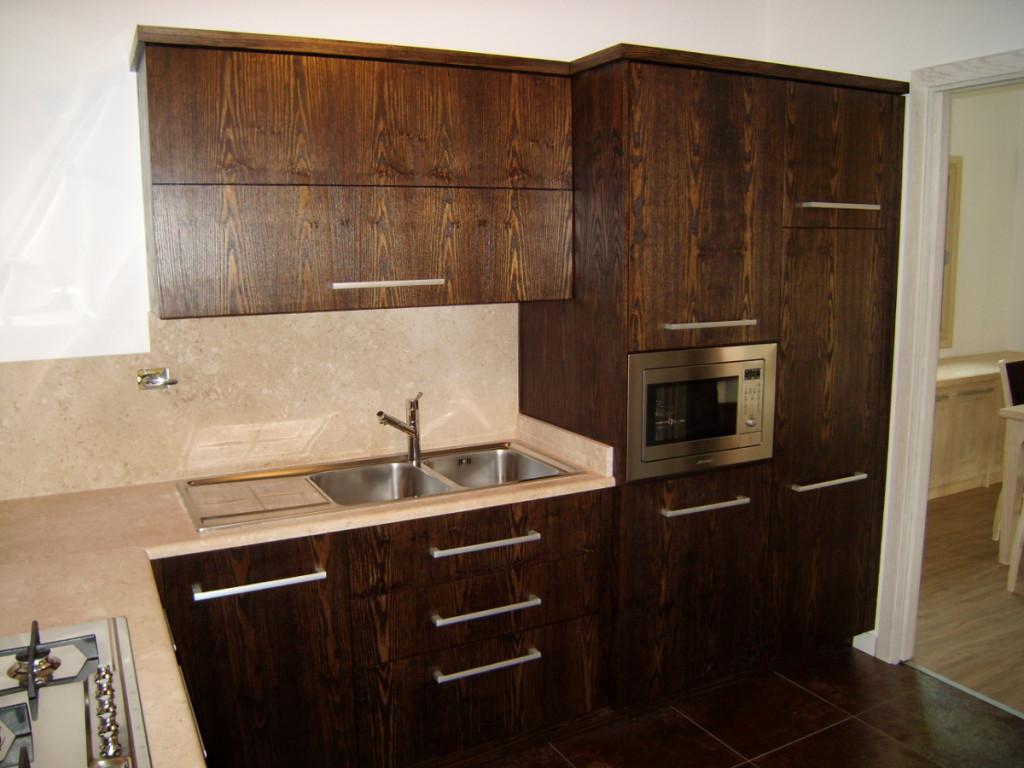 cucina dark in legno