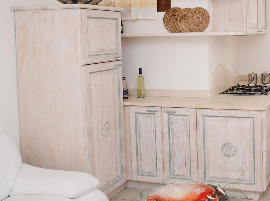 colonna mobile per cucina in legno massello