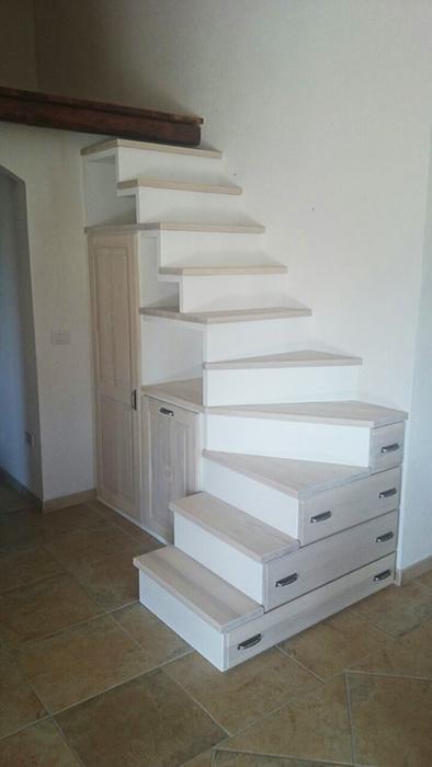Scala armadio con cassetti in legno