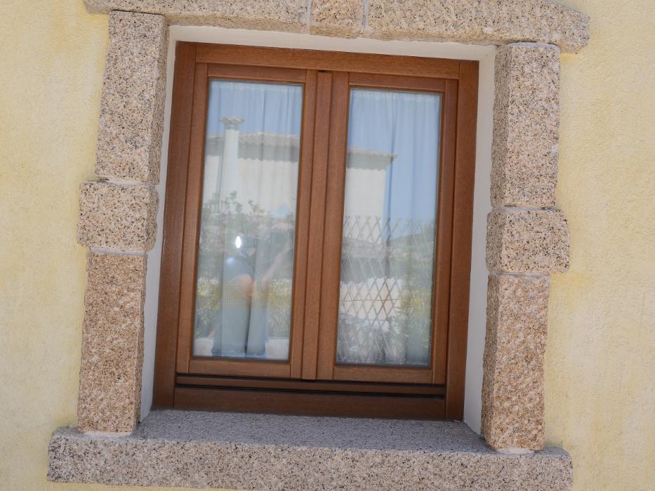 finestra in legno olbia