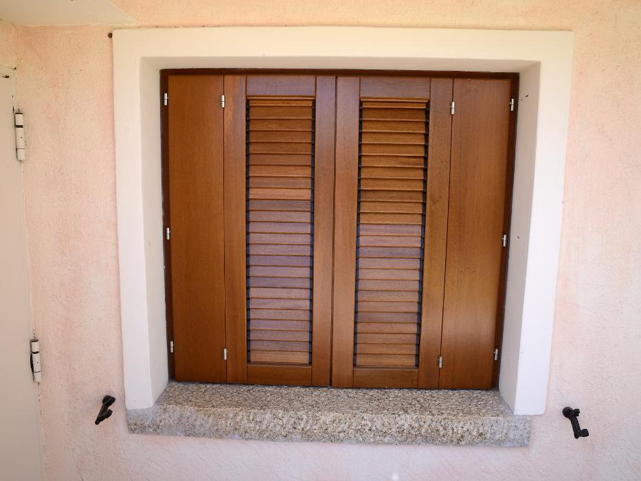 persiana in legno olbia